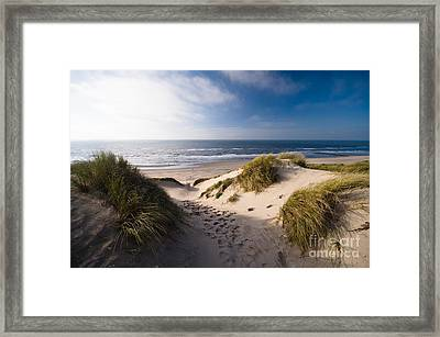 Sand Dune Framed Print by Boon Mee