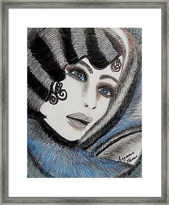 Sandy Art Deco Framed Print by Suzanne Thomas