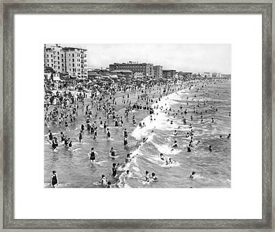 Santa Monica Beach In December Framed Print by Underwood Archives