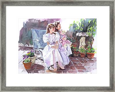 Sara And Erin Foster - Waiting For Lunch Framed Print by David Lloyd Glover