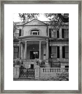Savannah's Owens - Thomas House In Black And White Framed Print