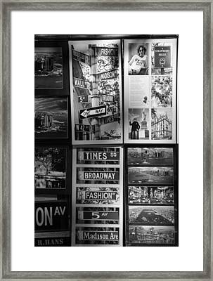 Scenes Of New York In Black And White Framed Print by Rob Hans