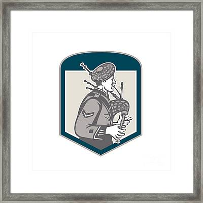 Scotsman Bagpiper Playing Bagpipes Crest Retro Framed Print