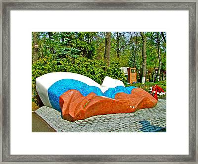 Sculpture At Boris Yeltsin's Gravesite In New Maiden Cemetery In Moscow-russia Framed Print by Ruth Hager