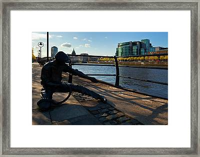 Sculpture Of A Docker With The Ifsc Framed Print