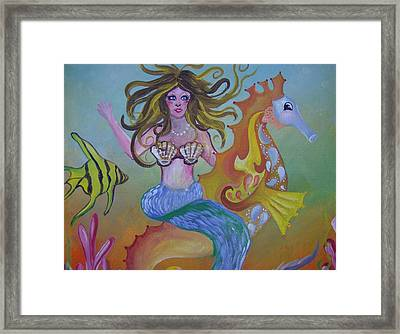Sea Taxi Framed Print by Leslie Manley