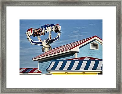 Seaside Summer Fun Framed Print by Susan Candelario