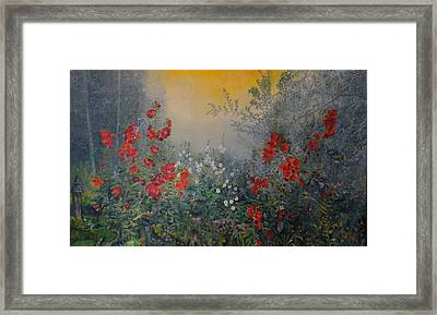 Secret Garden 110x180 Cm Framed Print