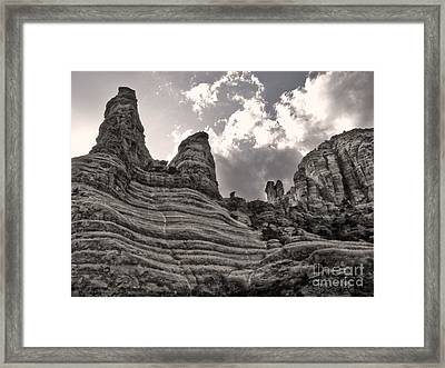 Sedona Arizona Mountains - 01 Framed Print by Gregory Dyer