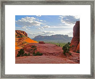 Sedona Arizona Mountains - 03 Framed Print by Gregory Dyer