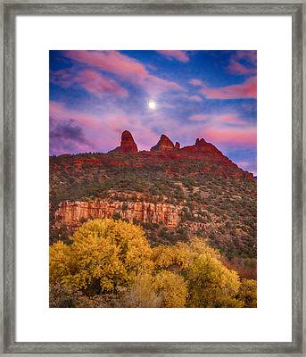 Sedona Sunset Framed Print by Shanna Gillette