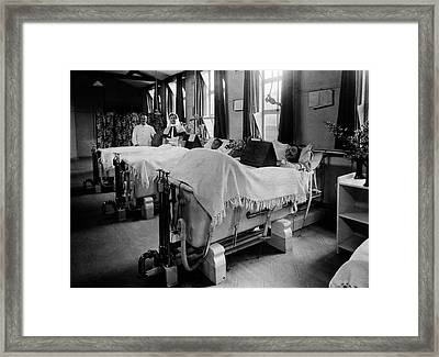 Septic Wounds Hospital Ward Framed Print by National Library Of Medicine