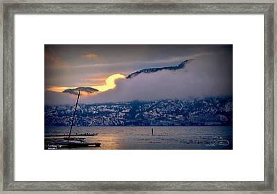 Framed Print featuring the photograph Setting Sun by Guy Hoffman
