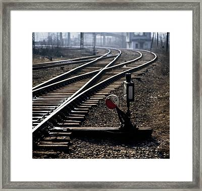 Shunt Framed Print by Juan Carlos Ferro Duque