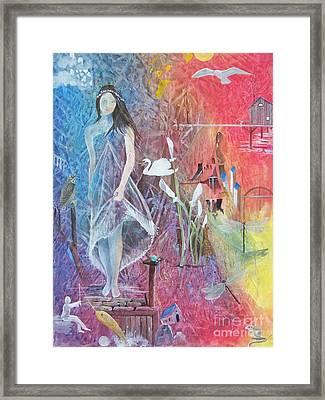 Sian Nia Framed Print