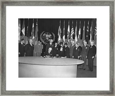 Signing Of Un Charter Framed Print by Underwood Archives