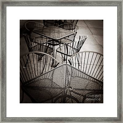 Sit And Eat In Memphis Tennessee Framed Print by T Lowry Wilson