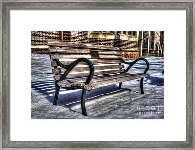 Sit Down - University Of Pennsylvania Framed Print by Mark Ayzenberg
