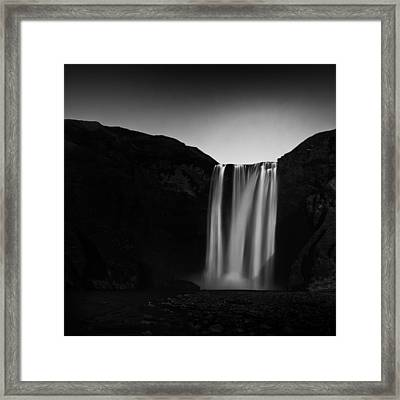 Framed Print featuring the photograph Skogafoss by Frodi Brinks