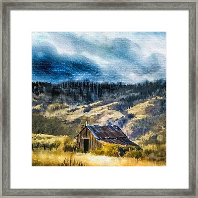 Small Barn In The Hills Framed Print by Dale Stillman
