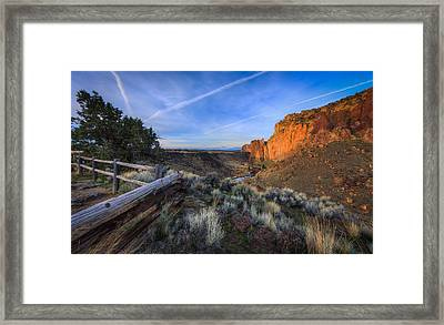 Smith Rock At Sunrise Framed Print by Everet Regal