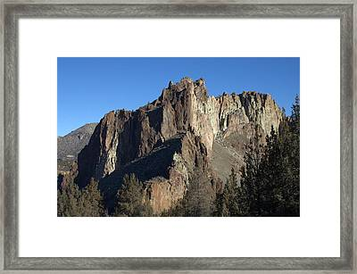 Smith Rocks State Park Framed Print by Linda Larson