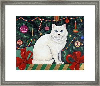 Snow Flake The Cat Framed Print by Linda Mears
