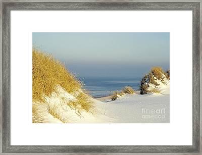 Snowduene Framed Print by Vera  Laake