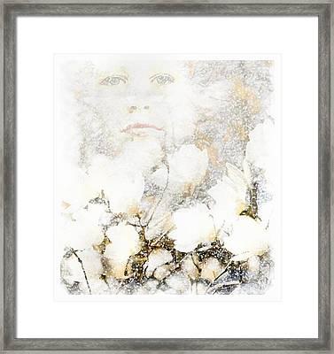 Snowfairy Framed Print