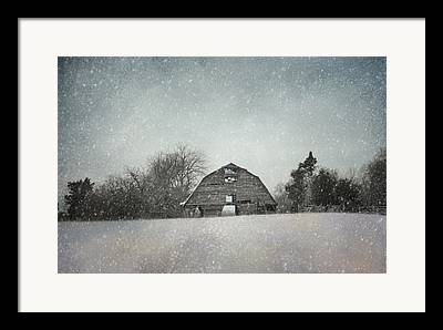 Old Barn In Tennessee Framed Prints