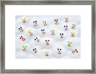 Snowmen Loves Ya  Framed Print by Tim Gainey