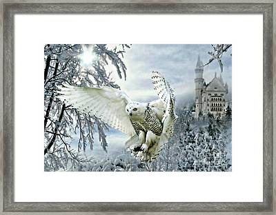 Framed Print featuring the mixed media Snowy Owl by Morag Bates