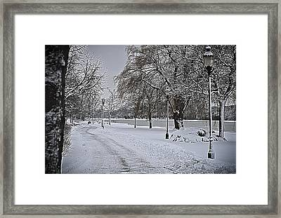 Framed Print featuring the photograph Snowy River by Deborah Klubertanz