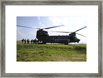Soldiers Board A Republic Of Korea Air Framed Print