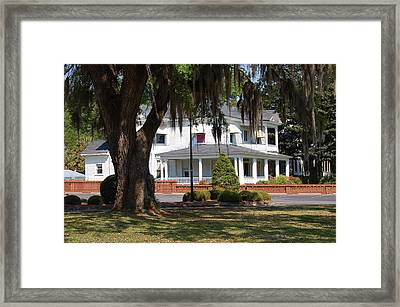 Southern Charm Framed Print by Linda Brown