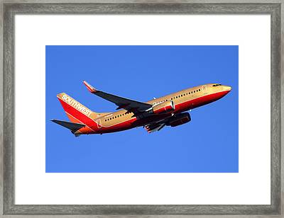 Southwest Boeing 737-7h4 N792sw Phoenix Sky Harbor December 22 2014  Framed Print by Brian Lockett