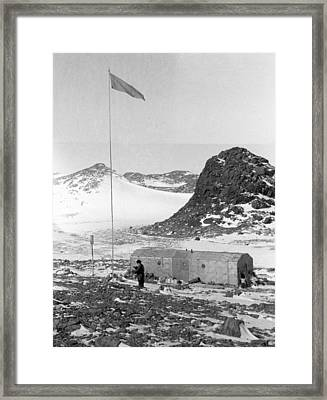 Soviet 'oasis' Antarctic Station, 1958 Framed Print by Science Photo Library