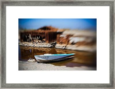 Speeding Away Boat Hull Framed Print by Scott Campbell