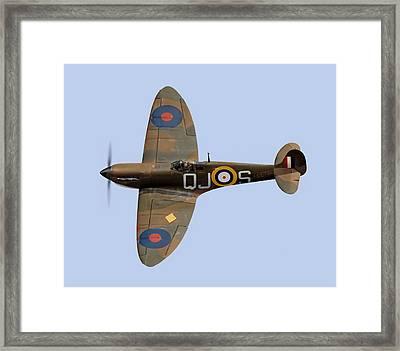 Spitfire Mk 1 R6596 Qj-s Framed Print by Gary Eason