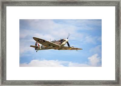 Spitfire Mk5 Low Pass Framed Print by Ian Merton