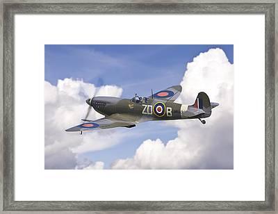 Spitfire Pass Framed Print by Ian Merton