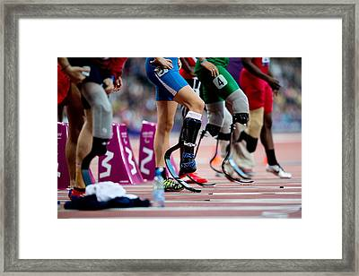 Sprinters At Start Of Paralympics 100m Framed Print by Science Photo Library