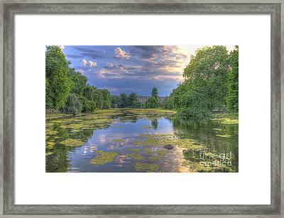 St James Park  Framed Print by Darren Wilkes