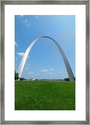 St Louis, Missouri, The Gateway Arch Or Framed Print