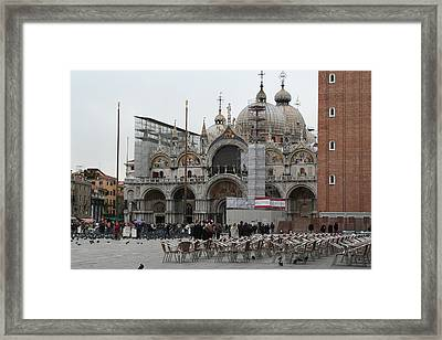 St Marks Bassilica Framed Print by Dick Willis