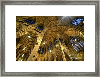 St Patrick's Cathedral - New York 2.0 Framed Print by Yhun Suarez