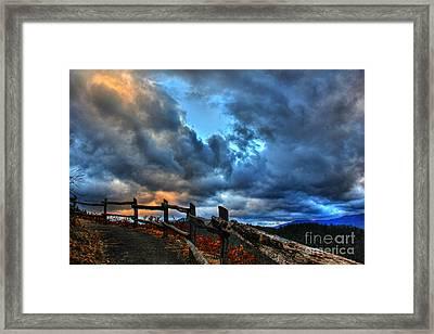 Stairway To Heaven Framed Print by Leslie Kirk
