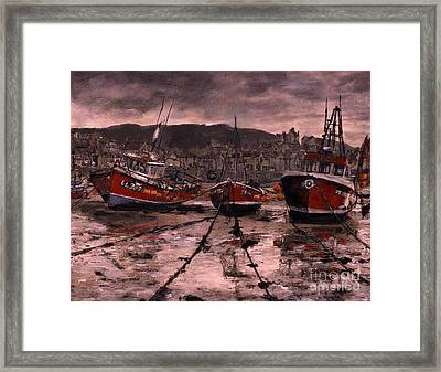 Staithes At Low Tide Framed Print by Randy Sprout