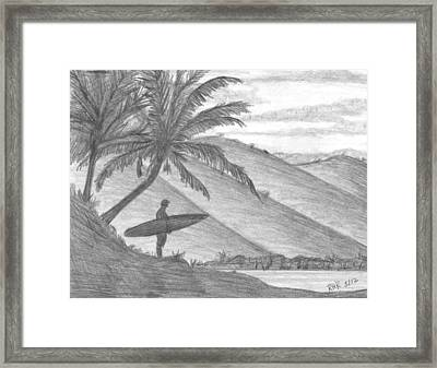 Stand Alone Surfer Framed Print by Ray Ratzlaff