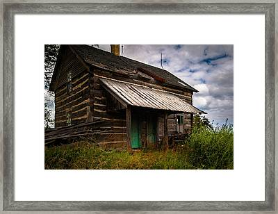 Framed Print featuring the photograph Starter Home by Chuck De La Rosa